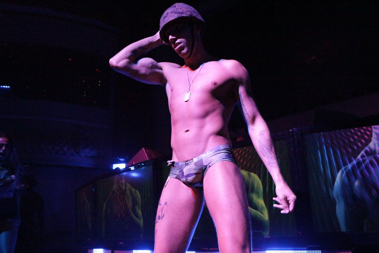 2014-05-25 Hero @ Ruby Skye 036