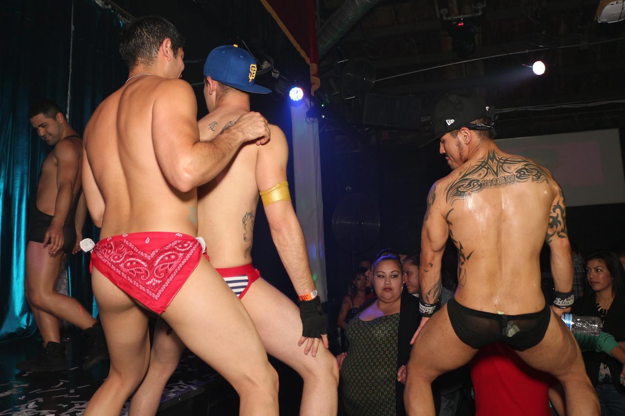 2014-03-21 Valentino Birthday Latin Explosion Club 21 1358