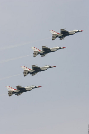 ThunderBirds_20070526__E2Q0640
