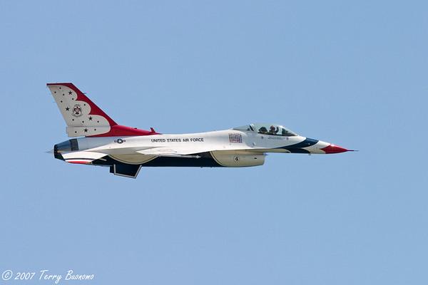 ThunderBirds_20070524_CRW_0165-Edit