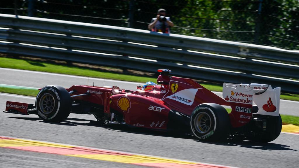 Qualifying - Fernando Alonso - Car 5 - F2012 - Medium Tyres - Scuderia Ferrari