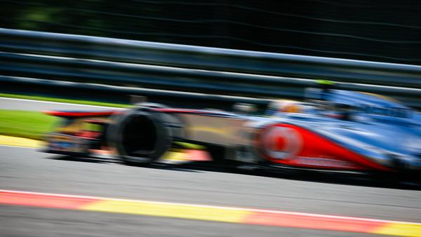 Qualifying - Lewis Hamilton - Car 4 - MP4-27 - Medium Tyres - Vodafone Mclaren Mercedes