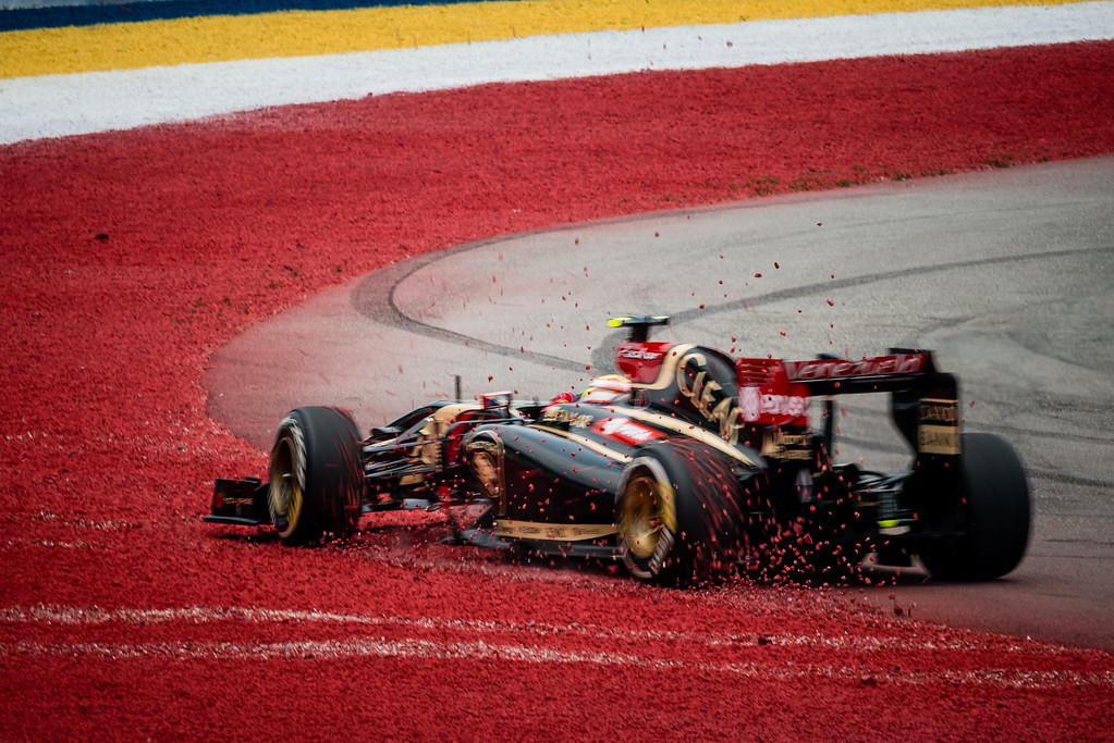 Practice Three - Pastor Maldonado - Car 13 - E22 - Medium Tyres - Lotus F1 Team