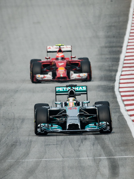 Race - Lewis Hamilton (Car 44 - F1 W05 - Mercedes AMG Petronas F1 Team) & Kimi Räikkönen (Car 7 - F14 T - Scuderia Ferrari)