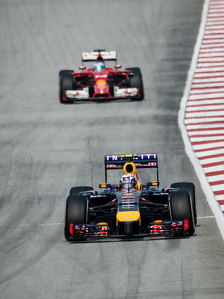 Race - Daniel Ricciardo (Car 3 - RB10 - Infiniti Red Bull Racing) & Fernando Alonso (Car 14 - F14 T - Scuderia Ferrari)