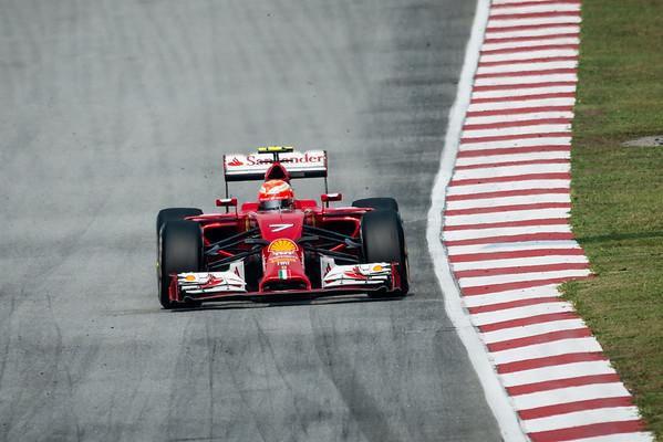 Race - Kimi Räikkönen - Car 7 - F14 T - Medium Tyres - Scuderia Ferrari