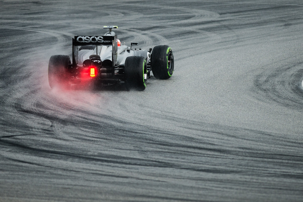 Qualifying - Kevin Magnussen - Car 20 - MP4-29 - Intermediate Tyres - McLaren
