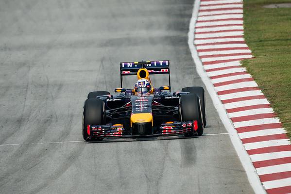 Race - Daniel Ricciardo - Car 3 - RB10 - Medium Tyres - Infiniti Red Bull Racing