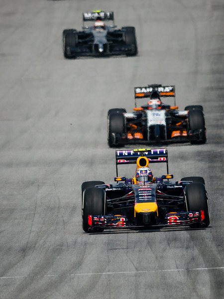 Formation Lap - Daniel Ricciardo (Car 3 - RB10 - Infiniti Red Bull Racing) & Nico Hulkenberg (Car 27 - VJM07 - Sahara Force India F1 Team) & Kevin Magnussen (Car 20 - MP4-29 McLaren)