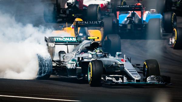 Nico Rosberg turn 1 spin...