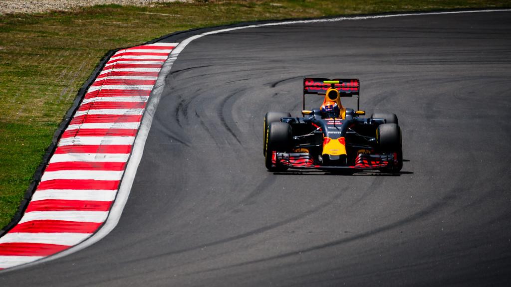 Max Verstappen - Car 33 - RB12 - Red Bull Racing