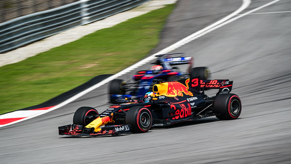 Daniel Ricciardo (Car 3 - RB13 - Red Bull Racing) & Pierre Gasly (Car 10 - STR12 - Toro Rosso)