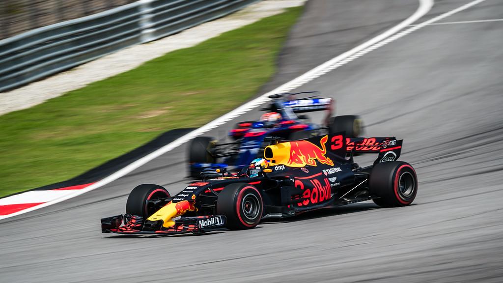 Daniel Ricciardo (Car 3 - RB13 - Red Bull Racing) & Pierre Gasly (Car 10 - STR12 - Toro Rosso)