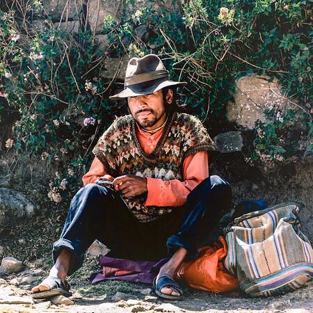 Peruvian Rolling Cigarette