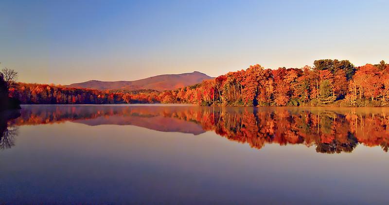 Colors of Price Lake NC