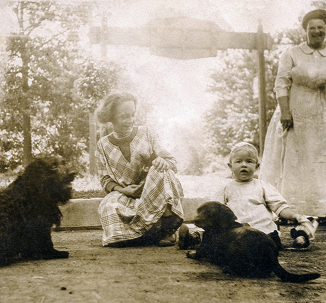 John Jr. & mother Edmunde (right) with family dogs - 1915