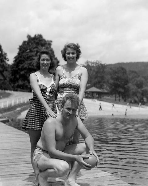 Mom, Dad & Aunt Muriel at Lake Wallkill, NJ - 1940