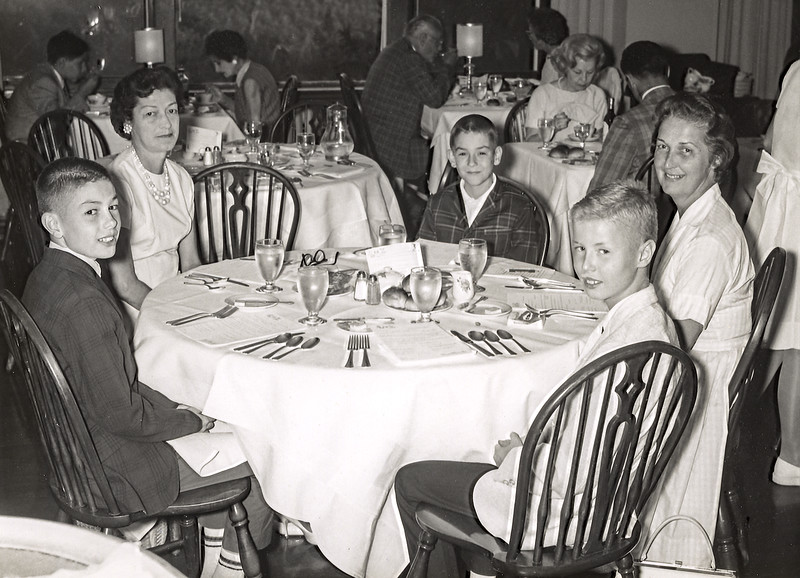 Pocono Manor - Mom & Barry with Dorothy, Daniel & Ralph Ellis