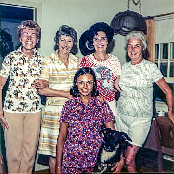 Aunt Ruth, Aunt Maureen, Mom, Boni & Bosco