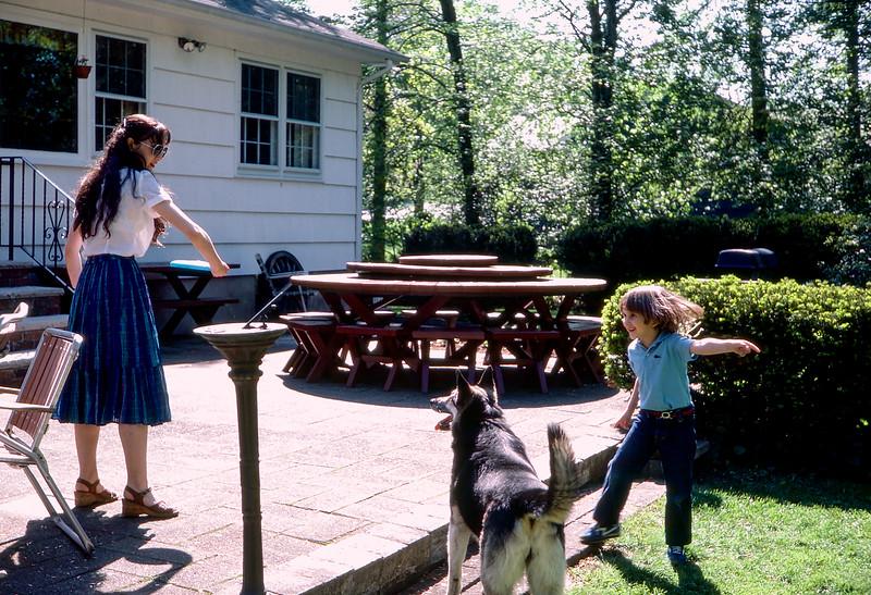 Lisa, Marshall & Skylla playing Frisbee - May 1981