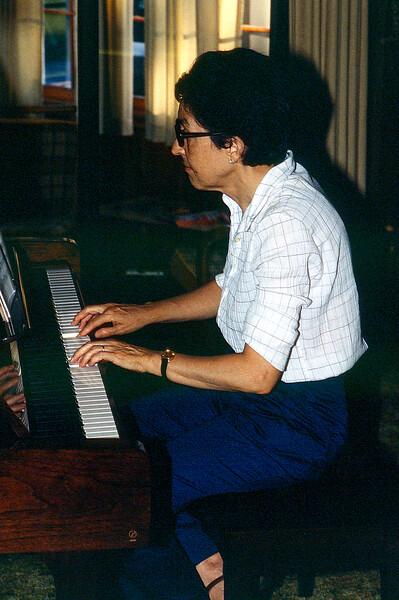 Alegria playing Barry's Yamaha - 1987