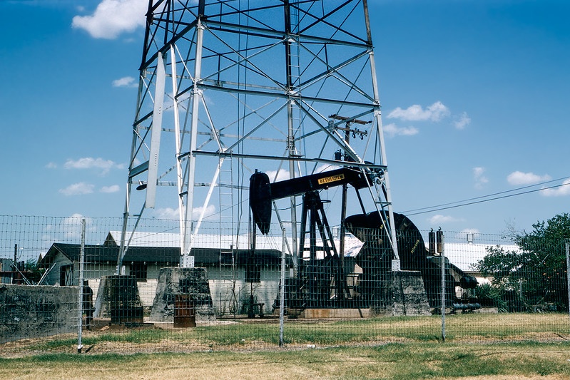 Oklahoma oil well seen on route to Nancy's wedding - 1964