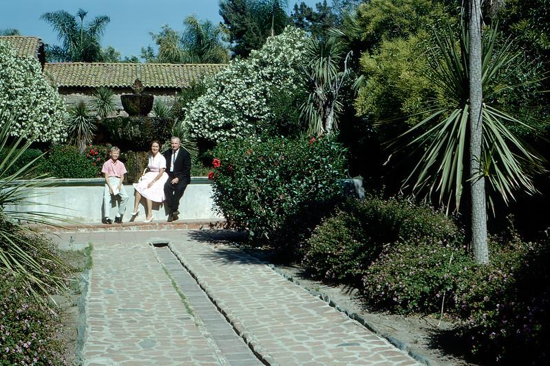 Mission gardens (AF) - 1964