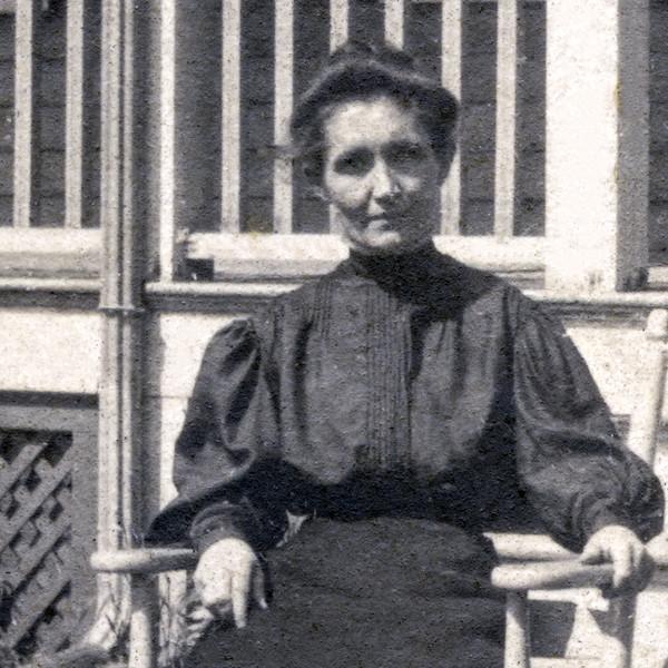 Catherine McGrath nee Burke - Great Grandmother (1867 - 1938) - 1907