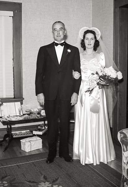 Rita & father Fred prior to the wedding ceremony