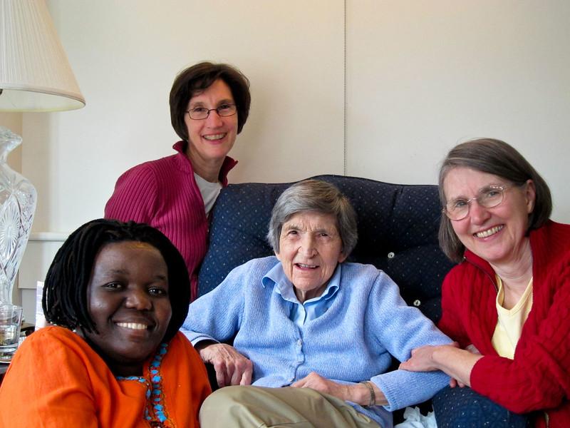 Elizabeth (Mom's caregiver), Sally, Mom, Jean