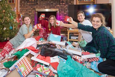 20181225-JimmyOliviaBeckyJenny-Dec 2018 (Christmas)