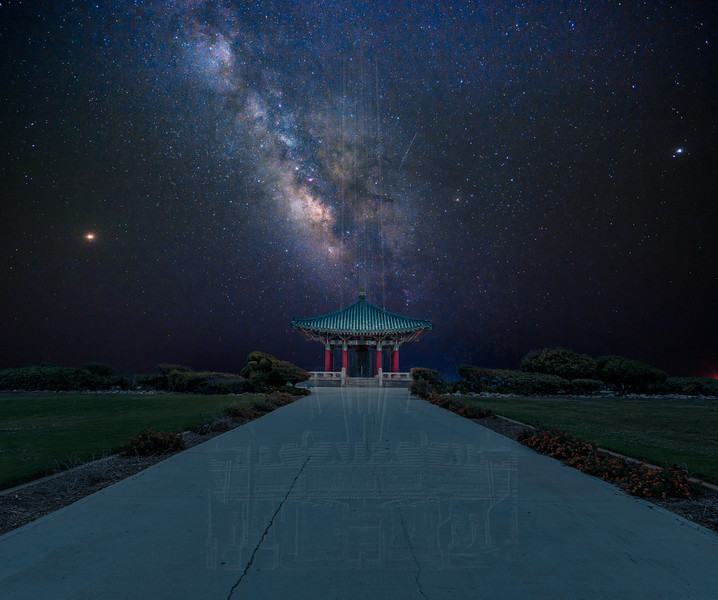 Milky Way above Korean bell.