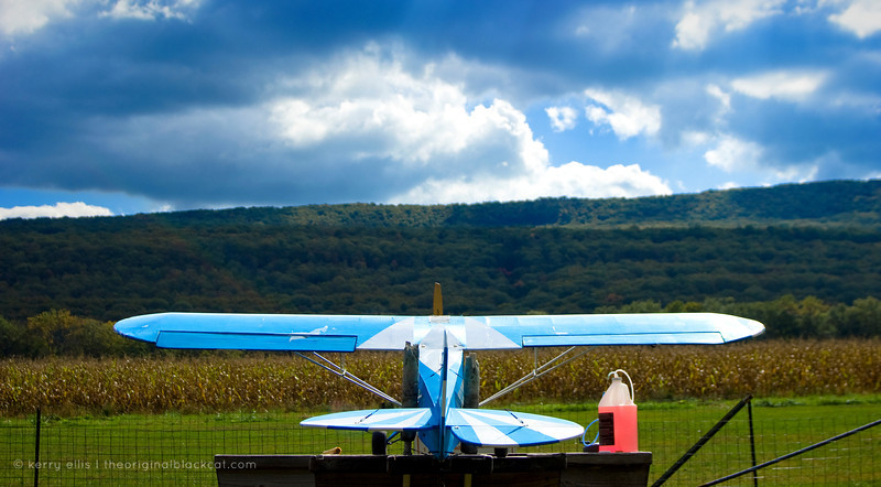 We stumble upon model plane pilots in the Delaware Water Gap.