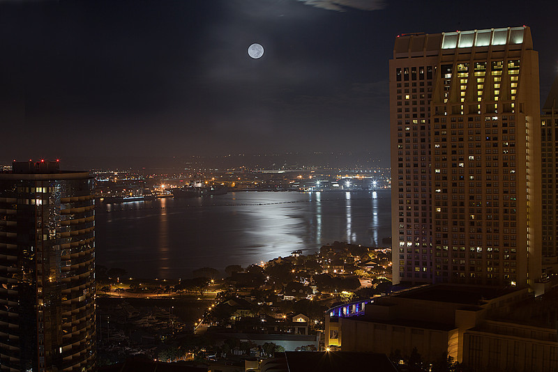 Moonset over San Diego Bay -- 4:30 am