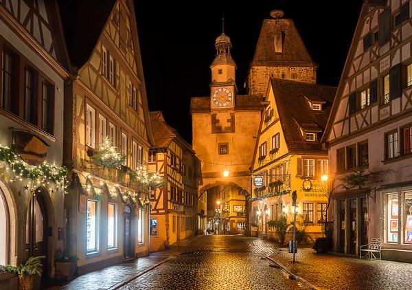 Medieval Boulevard