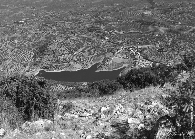 The view from Sierra Caracolera looking down at Viboras reservoi