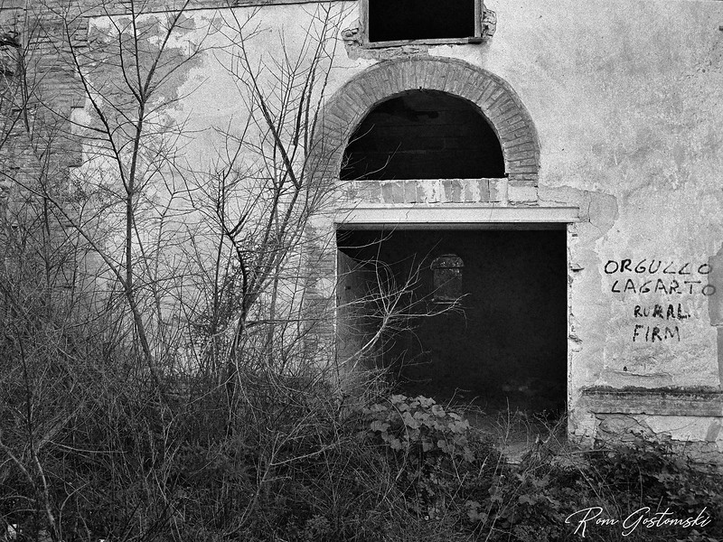 Abandoned cortijo - the animal pen