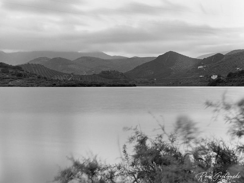 Dawn by the lake
