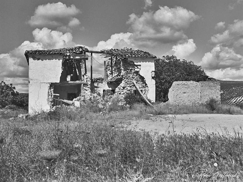 Abandoned cortijo