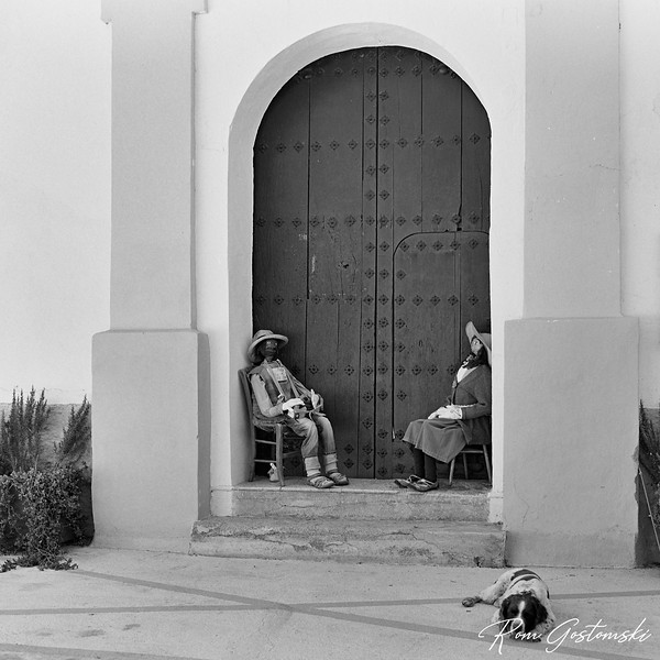 Beggars at the church door (and Chester having a quick break)