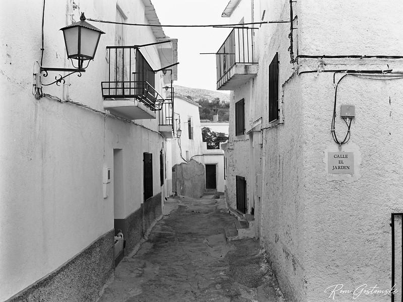 Calle el Jardin in Pitres