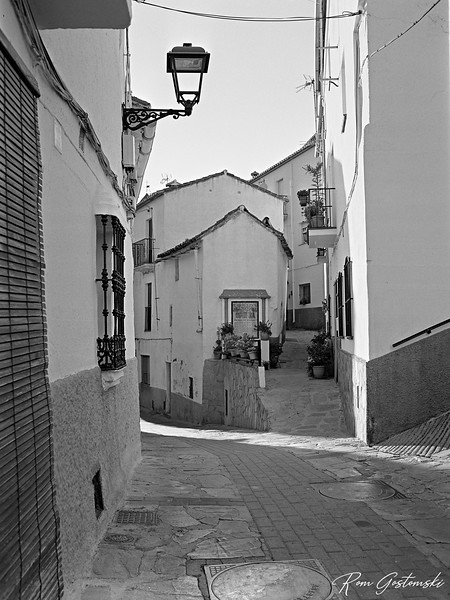 Narrow streets and paths in Jubrique