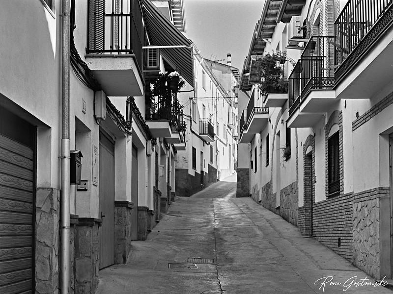 Narrow street in Cazorla
