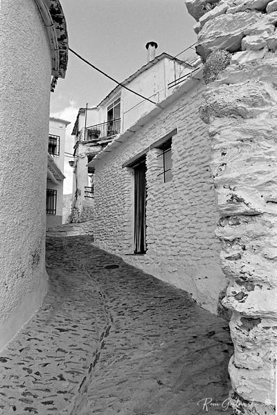 The narrow streets of Pampaneira