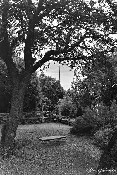 Rustic swing in the grounds of Cortijo Prado Toro