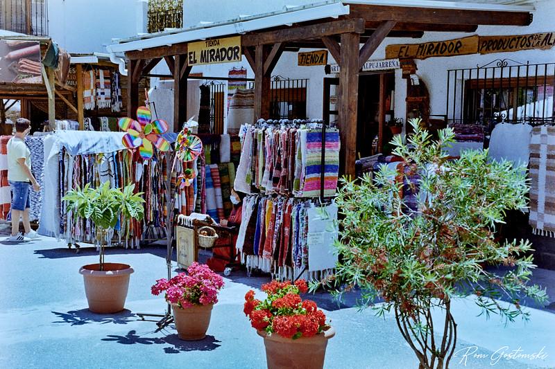 Souvenir and craft shop