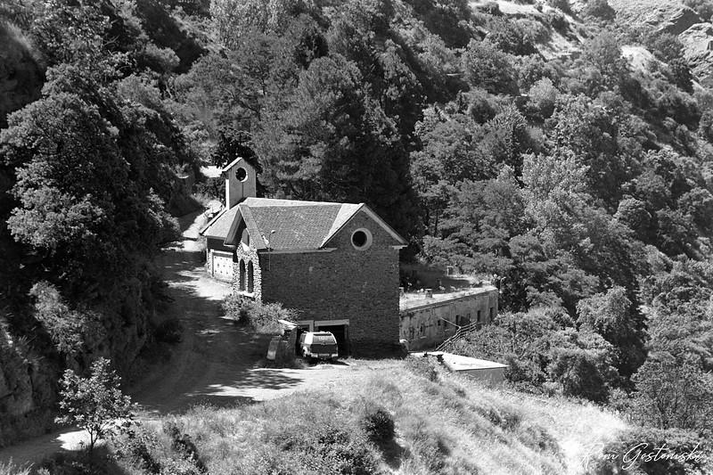 The abandoned church in La Cebadilla