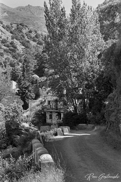 The road into La Cebadilla