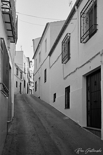 A street in Carchelejo
