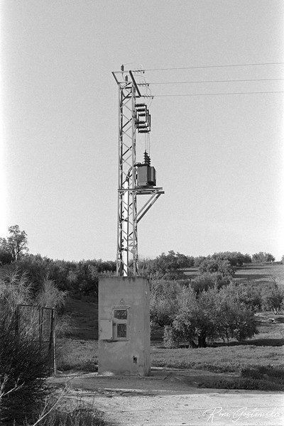 Electric pylon - end of the line